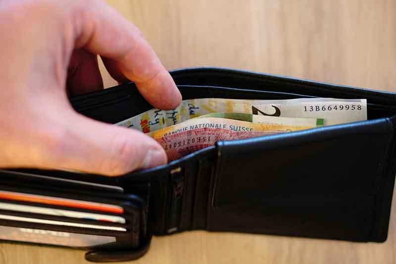 Bawa-Uang-Pas