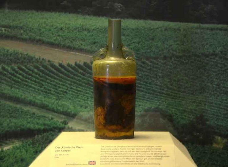 Anggur Dalam Botol