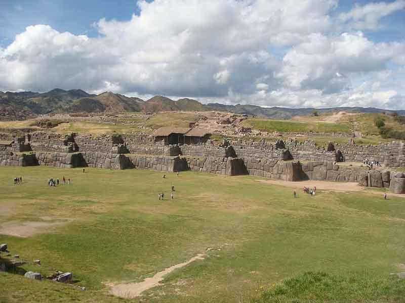 Benteng Sacsayhuaman