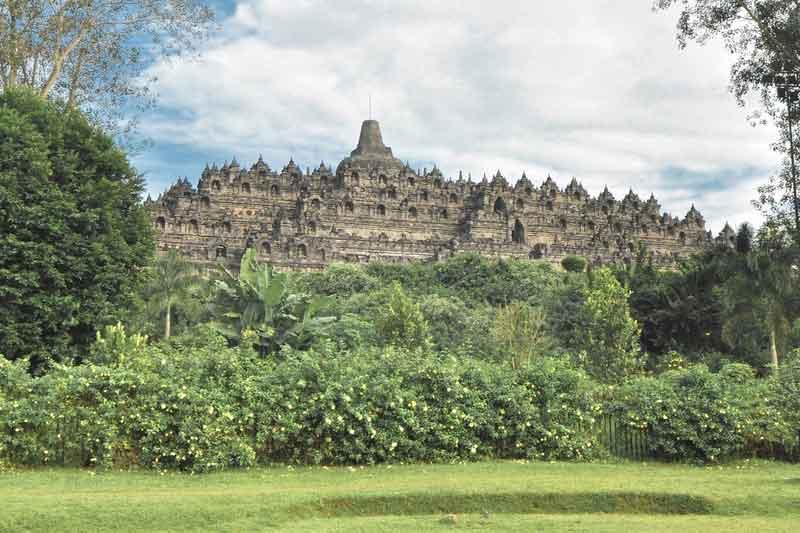Candi Borobudur bangunan peninggalan sejarah