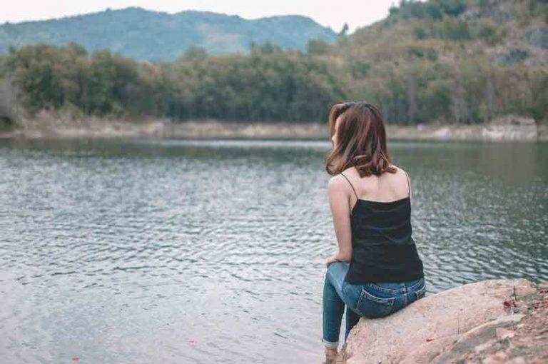 cara menghilangkan rasa sedih mendalam yang berkepanjangan