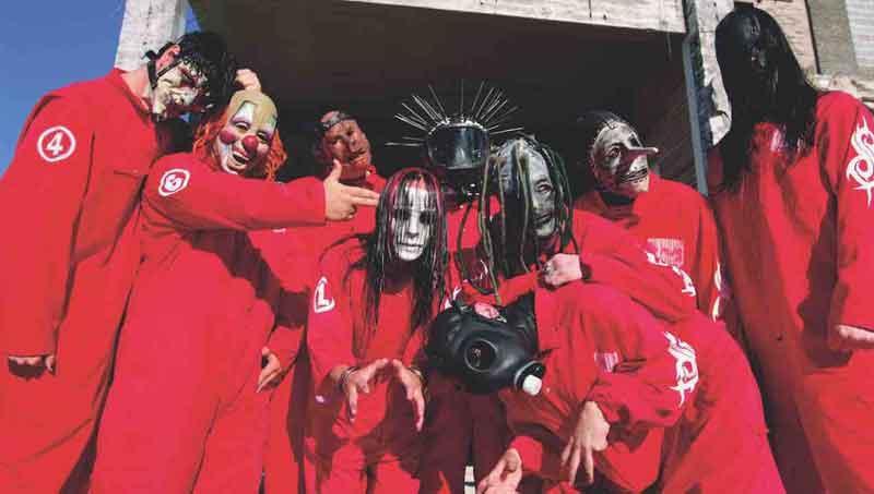 Slipknot Band dengan Aksi Panggung Unik