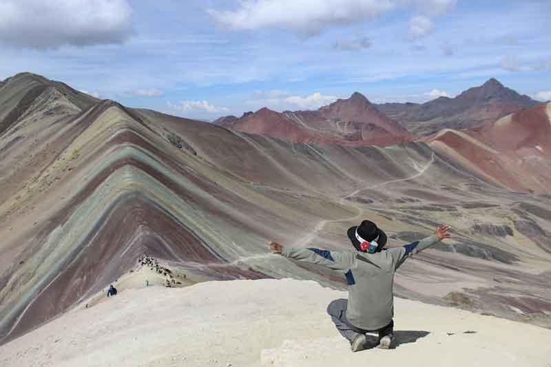 Vinicunca pemandangan gunung terindah di dunia